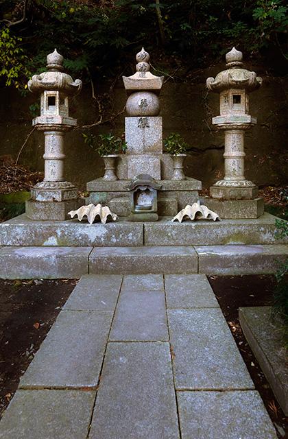 上村海軍大将之墓(かみむらかいぐんたいしょうのはか)